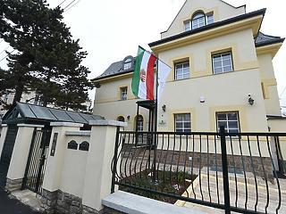 A Fidesz-pártalapítvány kurátora is benne van a magyar műholdas bizniszben