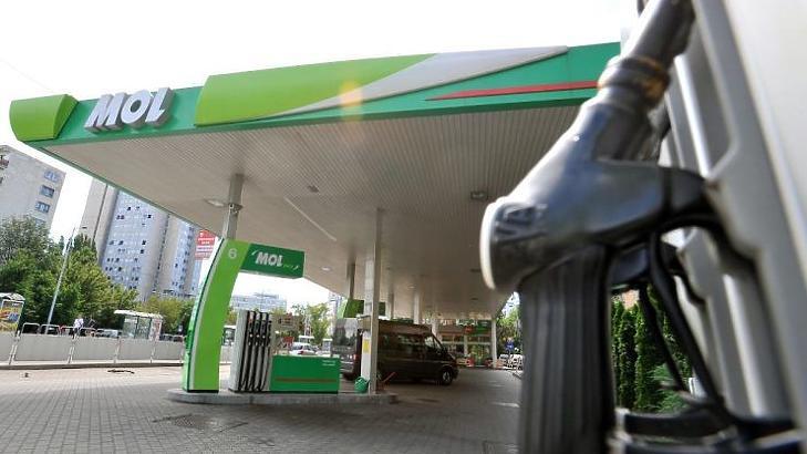 Ma még benzinkút, a jövőben bolt és kávézó lesz? (MTI Fotó - Máthé Zoltán)
