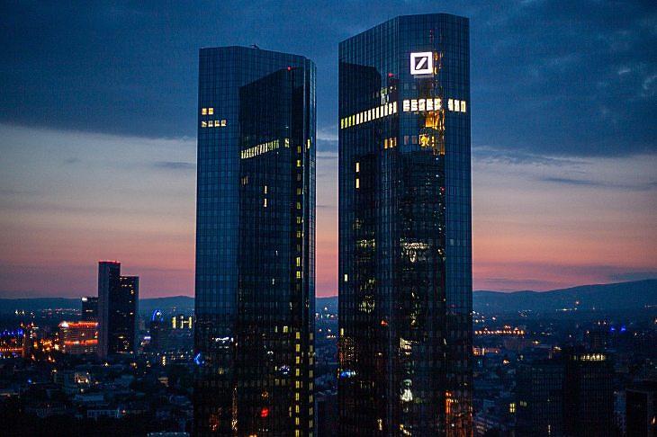 A Deutsche Bank tornyai Frankfurtban (Pixabay.com)