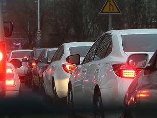Nagy a baj Kínában, nem akarnak autót venni az emberek