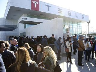 Árat emel a Tesla Kínában