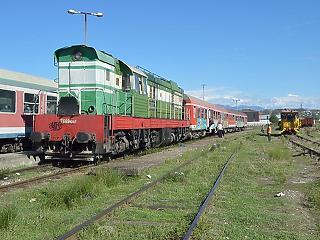 Sírjunk vagy nevessünk? Albániában is hamarabb lesz reptéri vasút, mint Budapesten
