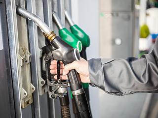 A mainál sokkal jobban emelkedik pénteken az üzemanyagok ára