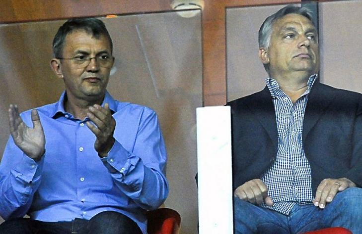 Orbán Viktor és Garancsi István a debreceni stadionban. (MTI/Czeglédi Zsolt)