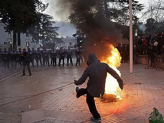 Balkáni forradalmak a láthatáron? Akár Magyarországra is átcsaphatnak
