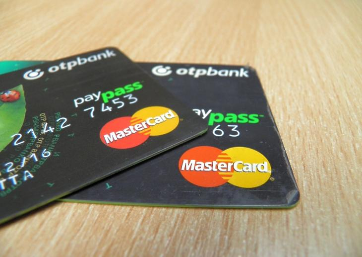 Gond van a bankkártyákkal - sokan nem tudnak fizetni, készpénzt felvenni - Frissítve!