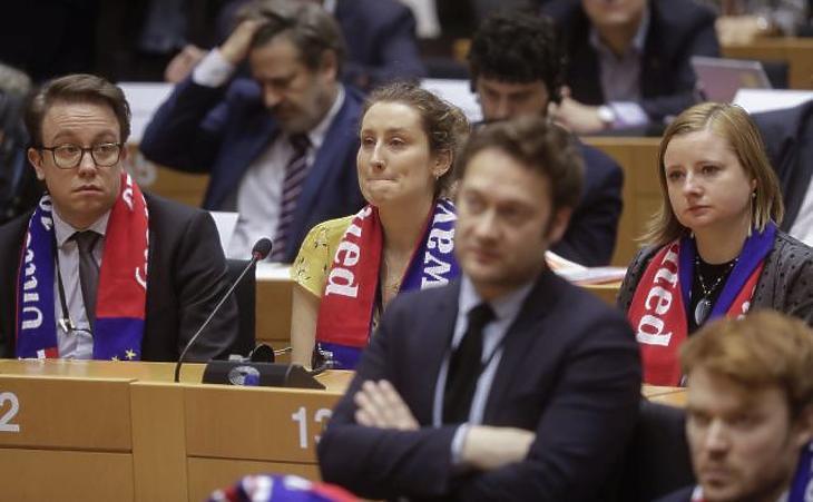 A nap képe: Always United – eleredtek a könnyek Brüsszelben