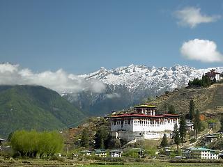 Egy hét alatt szinte a teljes lakosságát immunizálta Bhután
