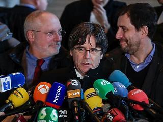 A nap képe: két éve még elnök volt az EU-ban, azóta nem térhet vissza hazájába