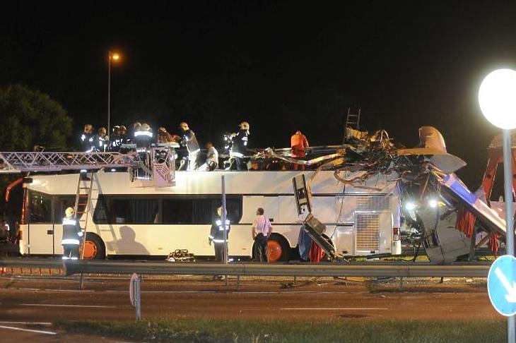 Őrizetbe vették a durva buszbalesetet okozó sofőrt