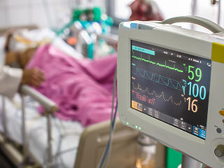 Koronavírus itthon: megdőlt a napi halálozási rekord