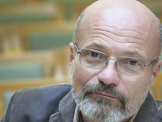 Zacher Gábor felmondott és kitálalt: ez megy a Honvédkórházban