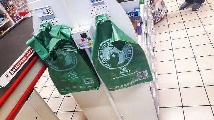 Háború a műanyag ellen – kiakadtak a kormány döntésén
