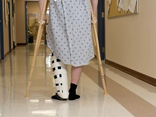 Elvennék a kórházaktól a közbeszerzéseket, jöhet a központosítás