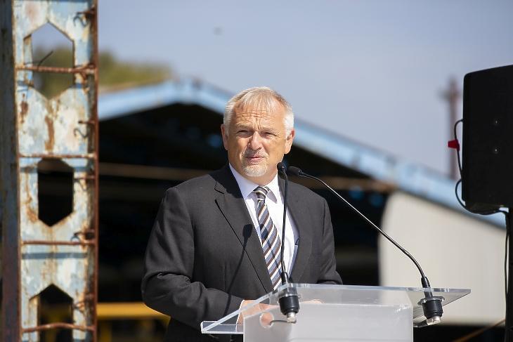 Hernádi Zsolt, a Mol elnök-vezérigazgatója 2020. szeptemberében egy sajtótájékoztatón. Fotó: MTI/Varga György