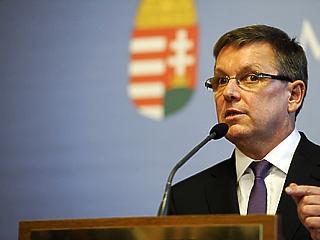 Újabb 6 évre bizalmat szavazott a gazdasági bizottság Matolcsy György MNB-elnöknek