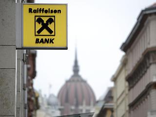 Komoly büntetést kapott a Raiffeisen Bank