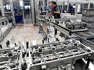 Óriási gyár nyitott meg Magyarországon – rengeteg embernek ad munkát