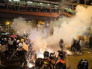 A befektetők is a hongkongi tiltakozókat figyelik