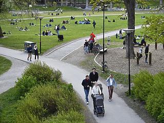 Svédország fenntartotta az életet, de az időseket nem tudta megvédeni