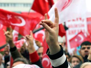 A török titkosszolgálat Európában – bemutatjuk a Szürke Farkasokat