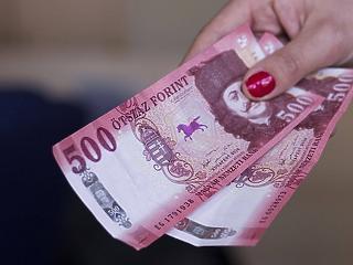 Már 438 200 forint a bruttó átlagkereset Magyarországon