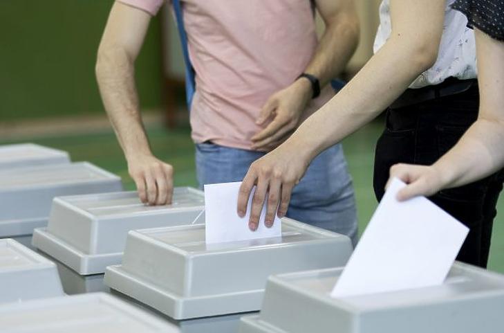 14 szavazattal megjött az első külképviseleti urna