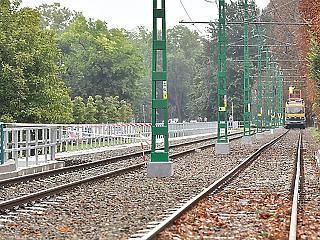 Bekavart a vihar - lebénult a felújított villamosvonal
