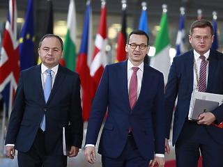 Két próbatételt is túlélt az Orbán-kormány fontos szövetségese