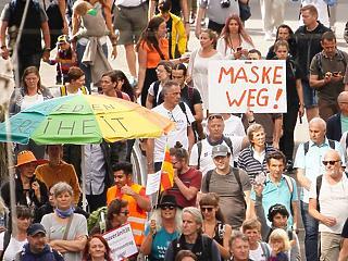 A nagy korona-összecsapás:  forró hétvégére számíthat Berlin