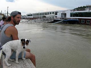 Veszélyes anyag a Dunában – kell aggódni az ivóvíz miatt?