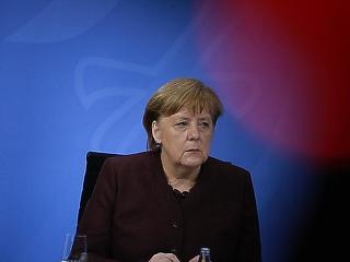 A baloldallal riogatott az utolsó parlamenti beszédében Angela Merkel