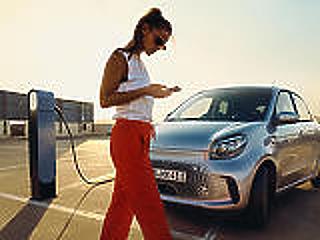 Növeli a károsanyag-kibocsátást az elektromos mobilitásra való átállás?