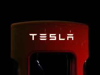 10 nap múlva új autót mutat be a Tesla