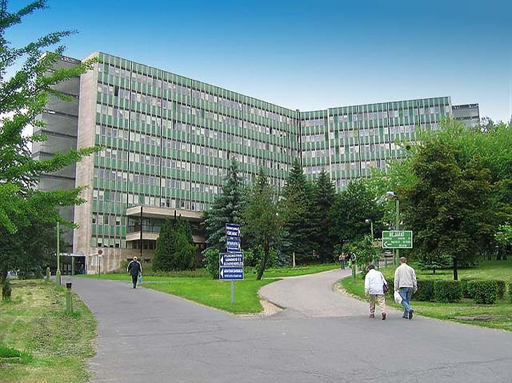 Az ajkai Magyar Imre Kórháznak is kiemelt szerep jut a járvány második hullámában. Fotó: facebook