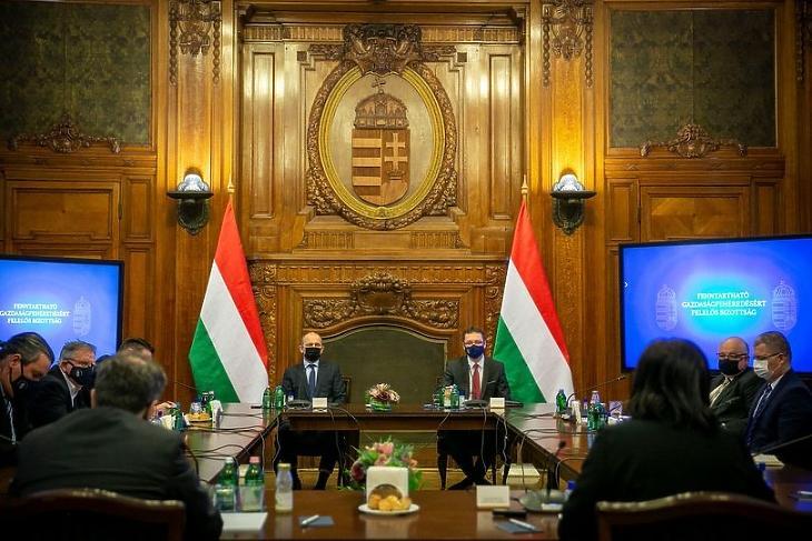 Varga Mihály tovább fehérítené a magyar gazdaságot - új bizottság alakult