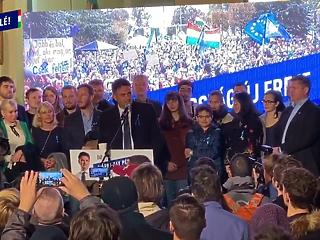 A kívülálló, aki veszélyes lehet Orbán Viktorra – felkapta Márki-Zayt a világsajtó