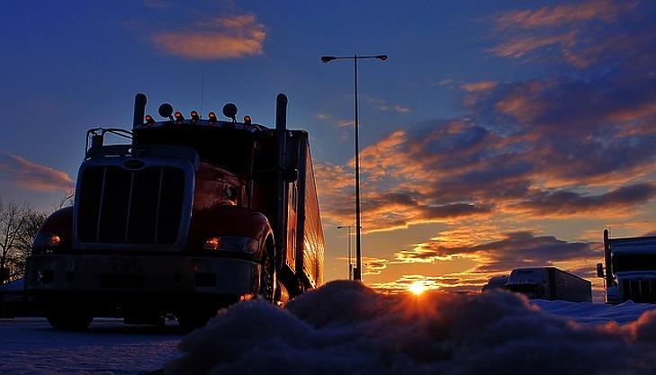 Több ezer buszvezető hiányzik - besegít a kormány