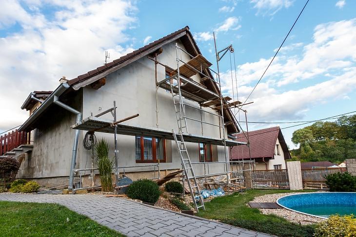 A kisebb felújítás is belefér, még mindig olcsóbb lehet, mind egy arany áron kínált új családi ház (forrás: Knauf Insulation)