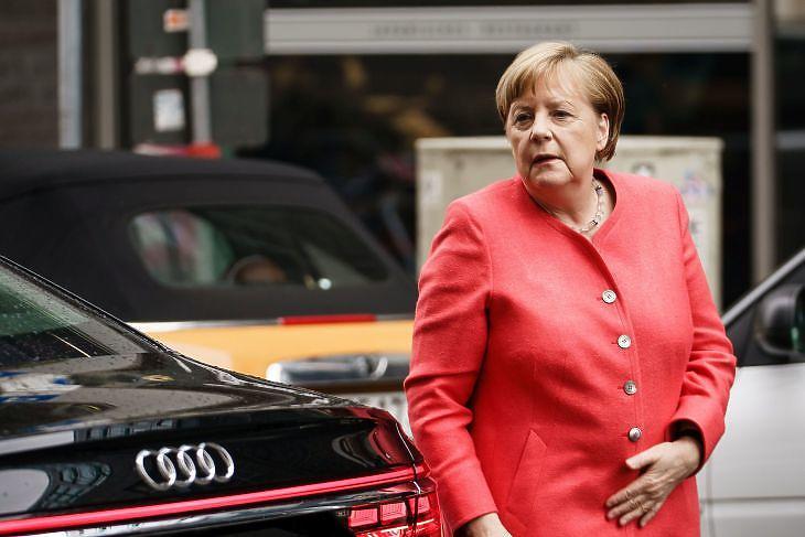 Angela Merkel német kancellár Berlinben 2020. június 4-én. (EPA/CLEMENS BILAN)
