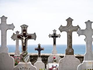 Kevesebb gyerek születik, többen halnak meg - év elején is tovább fogyott a magyar