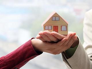 Mindenki lakást venne? Imádjak a magyarok a kormány csokját