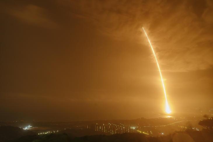 Egy Hosszú Menetelés 7-es hordozórakéta fellövése a Vencsang űrközpontból 2021. május 29-én. Illusztráció. (Fotó: MTI/AP/Hszinhua)