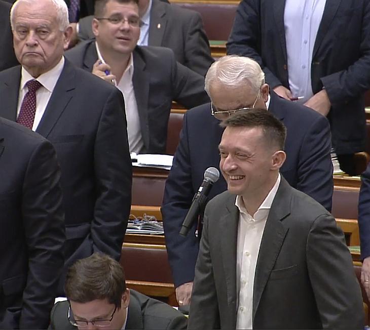 A nap képei: Orbán Viktor és a kemény fiúk