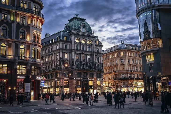 Ausztria, bécsi utcakép (Pixabay.com)