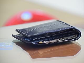 327 ezer forint a bruttó átlagfizetés