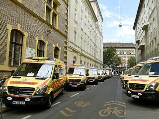 Rengeteg új mentőautót kap az Országos Mentőszolgálat