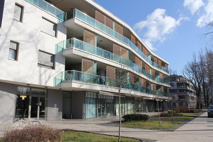 Új apartmanház Füreden, pár lépésre a parttól. (Fotó: Mester Nándor)
