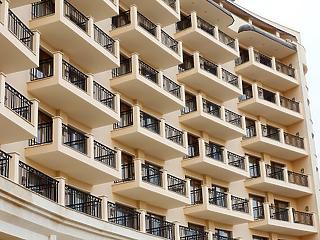 Hiba volt eltörölni az 5 százalékos lakásáfát?