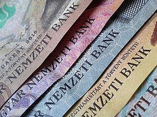 Újabb 650 milliárd forintnyi hitel lehet változó helyett fix kamatú